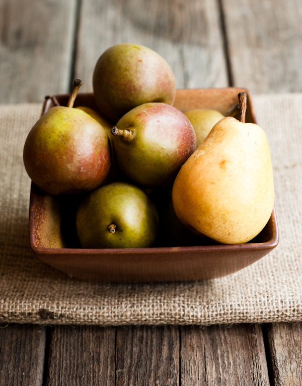 Seckel and Bartlett Pears