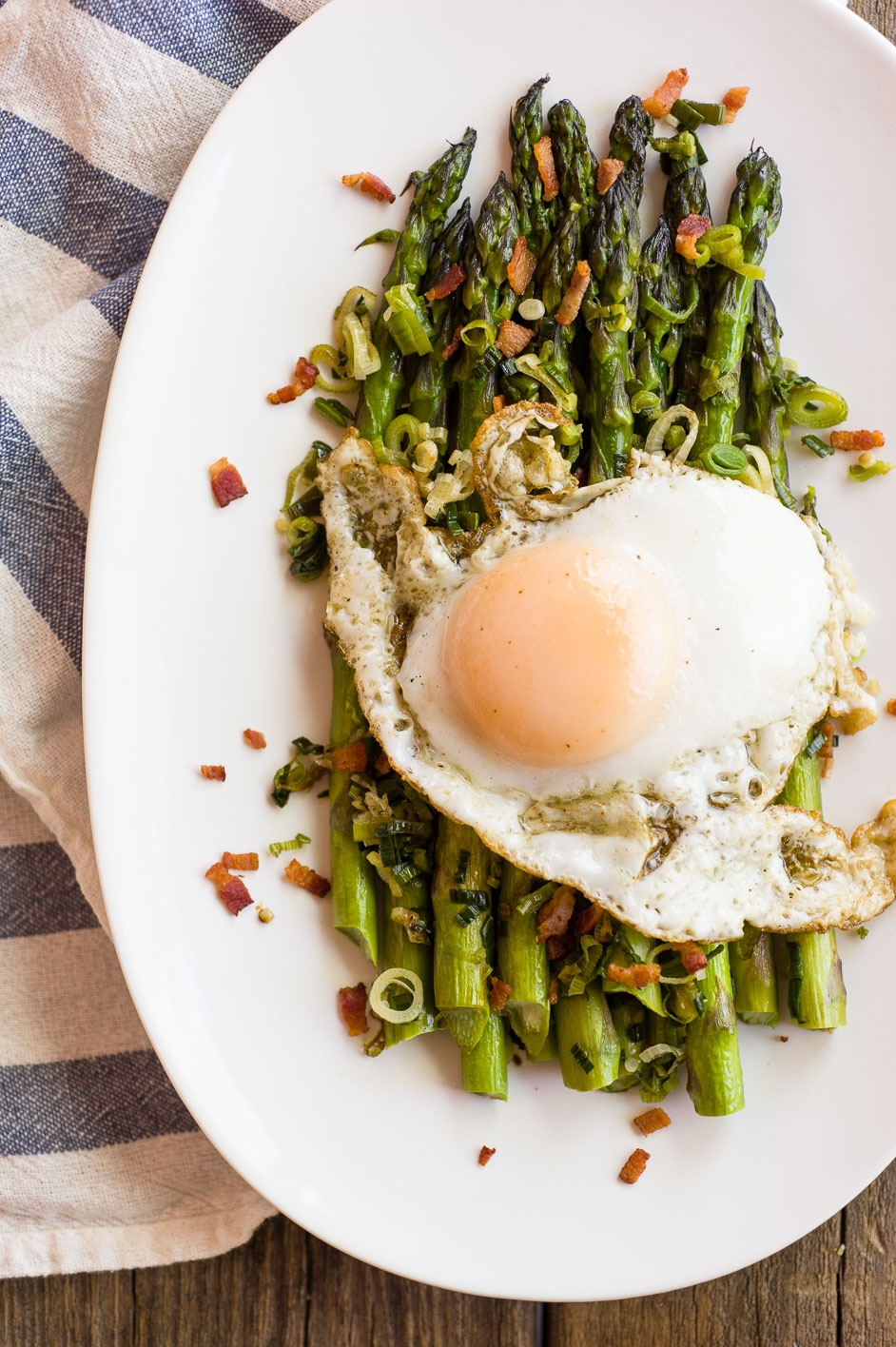 Asparagus, Garlic and Eggs @ Minimally Invasive