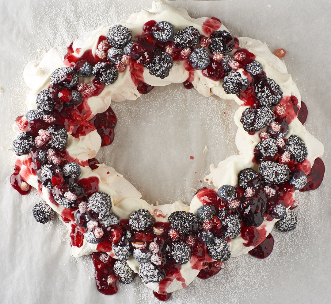 Pavlova Wreath | Amy Roth Photo