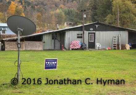 flag-w-trump-sign-j-hymnan-photo